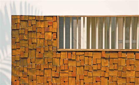 Pelapis Tembok Kayu Bekas Bisa Dimanfaatkan Jadi Elemen Arsitektur Yang Unik