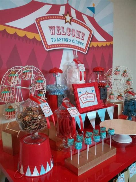 Carnival Theme Decorations by 25 Best Ideas About Circus Theme Centerpieces On