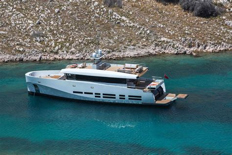 yacht kanga megayacht global wallyace kanga available for charter