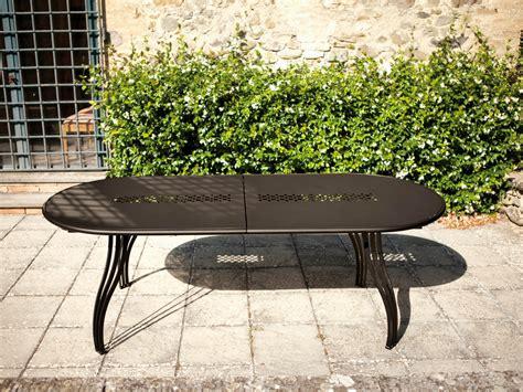 table jardin emu vera table de jardin ovale by emu design