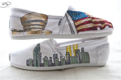 Handmade Shoes New York - benjamin paras new york themed custom toms shoes