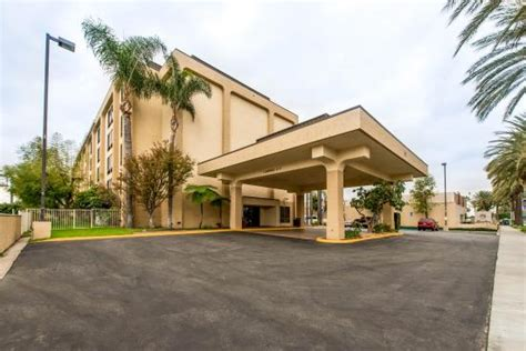 comfort inn and suites anaheim ca exterior jpg