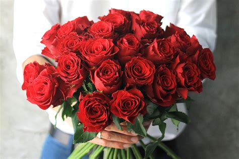 Valentines Day Roses by Why Are Roses So Popular For S Day Reader S