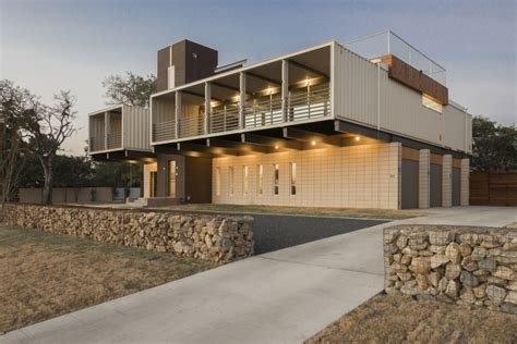 Simple One Story House Plans Exposed Steel Structure Links The Residence To Its