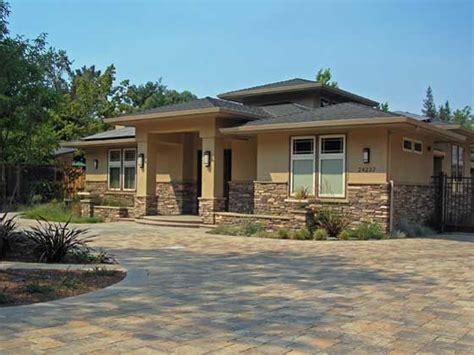 best 25 prairie style homes ideas on prairie style houses modern prairie home and