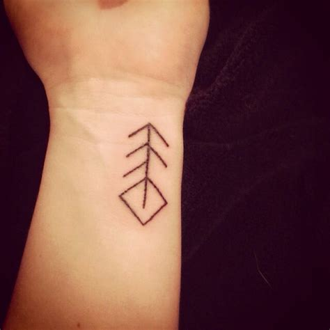 runes tattoo pinterest 116 best images about oldes viking runes on pinterest