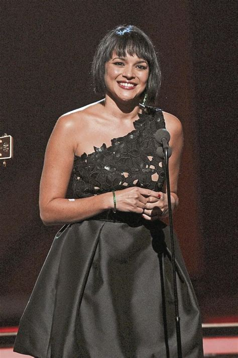 norah jones singer norah jones is the mystery buyer of eat pray love