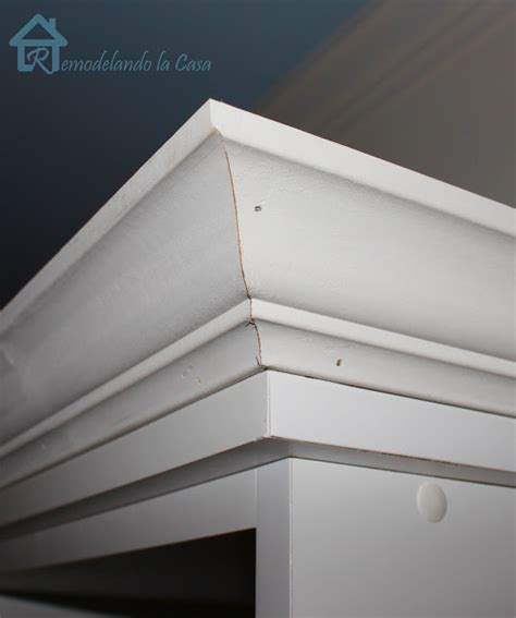 how to add crown molding to the top of your cabinets remodelando la casa adding crown molding to the top of