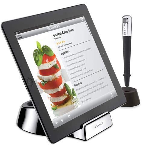 amazon com belkin kitchen cabinet tablet mount computers belkin ipad kitchen accessories fridge mount for ipad 2 3