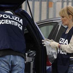equitalia sede legale roma pacco esplode nella sede di equitalia a roma ferito