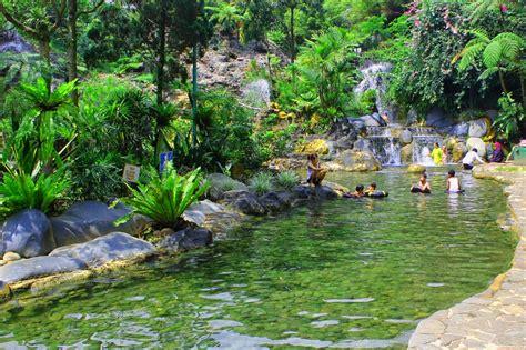tourist attractions  bandung