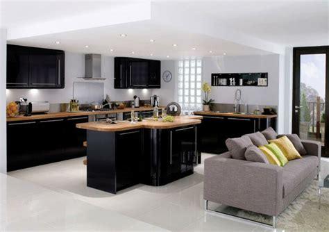 Ordinaire Cuisine Noire Et Blanc #2: cuisine-noire-et-bois-avec-ilot-revetement-en-bois.jpg