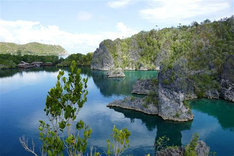 Raja Ampat ? Where Nature PhotoShopped it For You