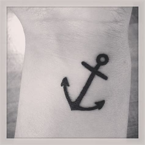 simple anchor tattoos best 25 anchor wrist ideas on tiny