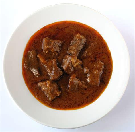 cucinare il gulash file gulasch jpg