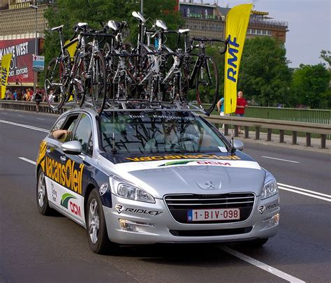 peugeot cycling team locozoom peugeot 508 vacansoleil pro cycling team car