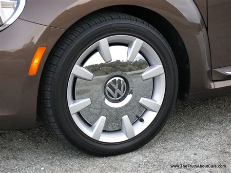 2013 Volkswagen Beetle Convertible 70s Front Wheel