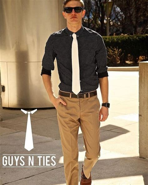Blue Dress Shirt Black Brown Shoes by What Are Some Or Combinaton To Wear With