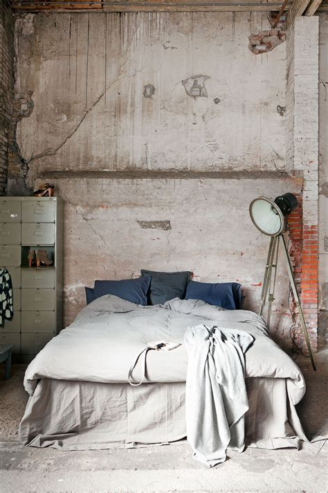 industrial bedroom design industrial style home decor decobizz com