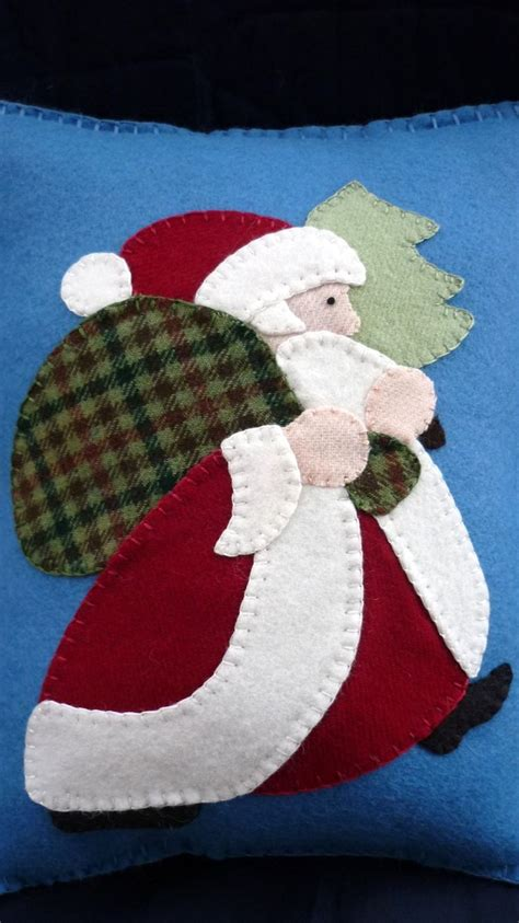 applique santa pillow christmas wool felt quilting
