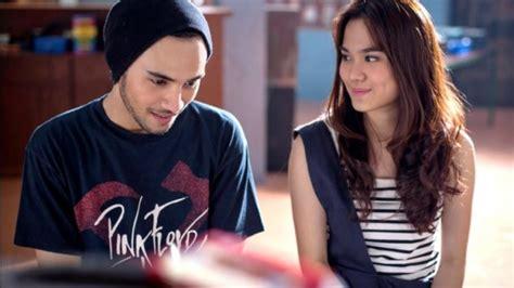 list film romantis indonesia terbaru daftar film romantis indonesia tahun 2017 yang wajib
