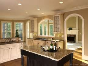 Kitchen Island Color Ideas Pictures Of Kitchens Traditional Two Tone Kitchen Cabinets