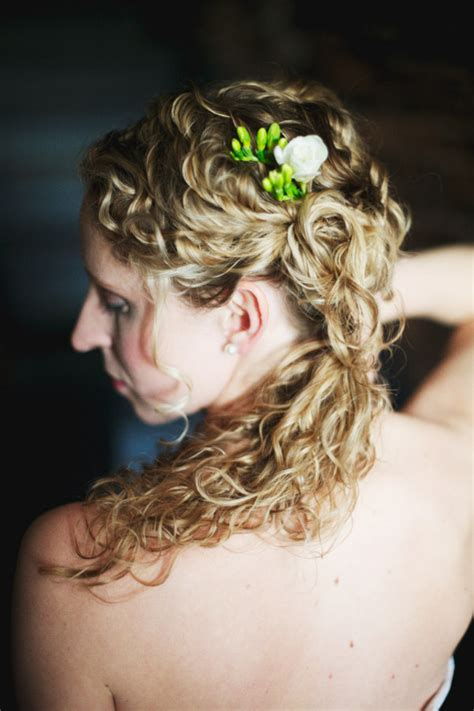 curly hairstyles pulled up 30 diy wedding hairstyles gorgeous wedding hair styles