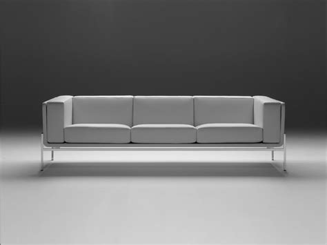saarinen sofa sa23 3 seater sofa by matrix international design eero