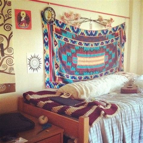 25 best ideas about dorm room pictures on pinterest