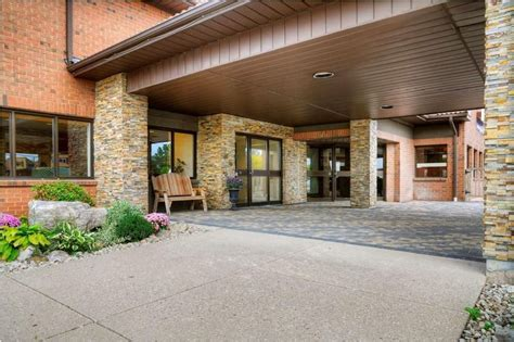 comfort inn waterloo comfort inn waterloo hotel deals reviews waterloo redtag ca