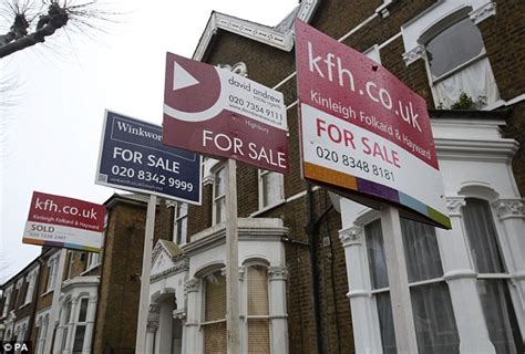 right to buy for housing association tenants 1k people a week signing up to housing association sell off ahead of new scheme daily mail online