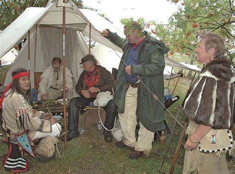 wann lebten die indianer revolverduell und bratpfannenweitwurf