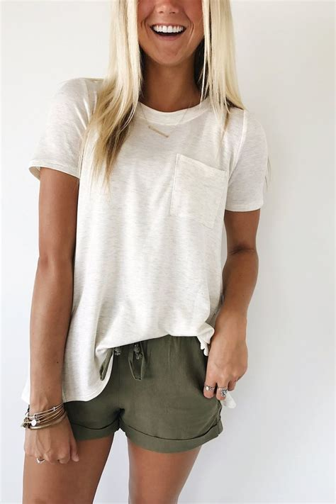 Clothes My Back Ask Fashion by 25 Best Ideas About Linen Shorts On Summer