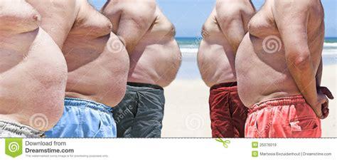 Kurze Hosen Männer 3620 by F 252 Nf Sehr Beleibte Fette M 228 Nner Auf Dem Strand Stockbild