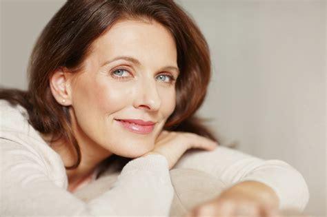 pictures of women in the 50 with natural hair makijaż dla kobiety dojrzałej porady dla kobiet po 40