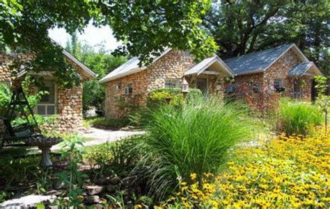 eureka springs bed and breakfast rock cottage gardens a