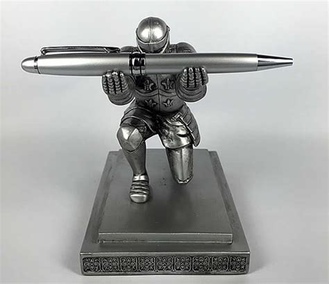 executive knight pen holder executive knight pen holder feelgift