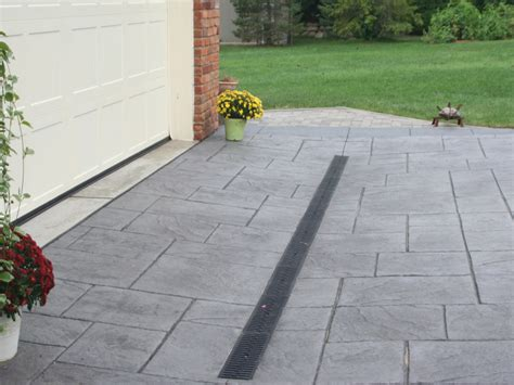 driveway drain replacement specialists in montreal