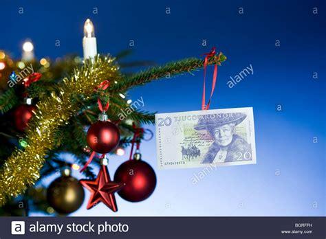weinachbaum auf richnug weihnachtsbeleuchtung auf rechnung weihnachtsbeleuchtung