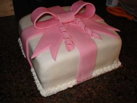 How To Fondant Decorations by Fondant Cake Decorating Best Birthday Cakes