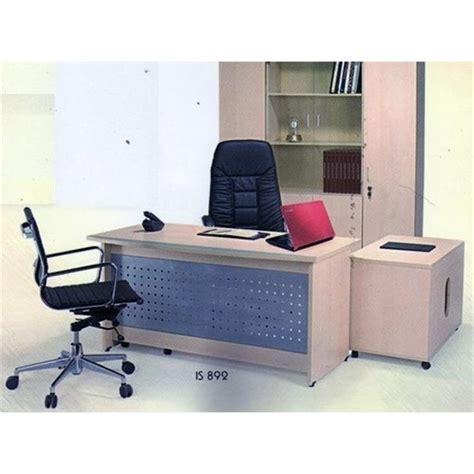 Meja Kantor Aditech jual meja kantor direktur aditech is 892 150cm murah harga spesifikasi