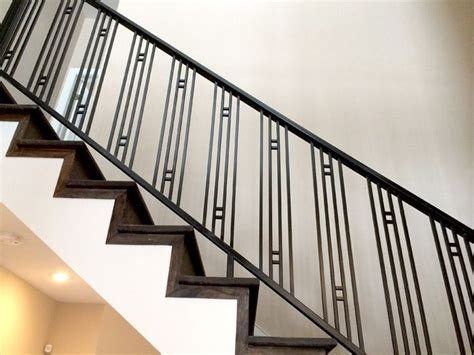 Stair Banisters Railings by Best 25 Metal Railings Ideas On Metal Stair