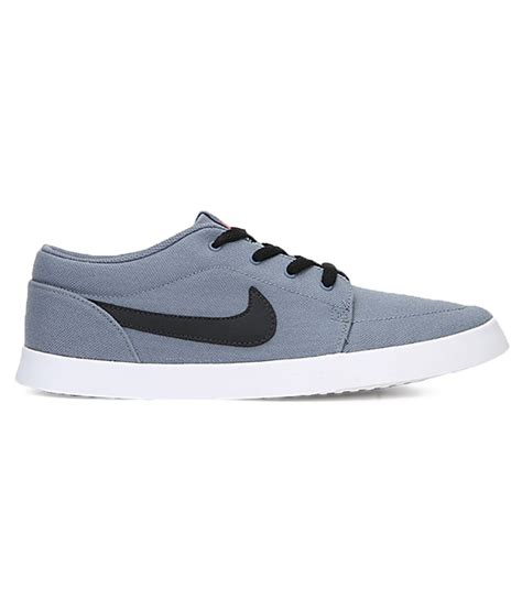 nike casual for