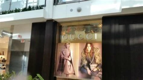 Garden State Plaza Gucci Route 17 Into Garden State Plaza Mall Picture Of