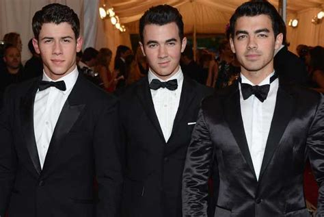 Wedding Bells Jonas Brothers by Jonas Brothers Perform New Song Quot Wedding Bells Quot At Reunion