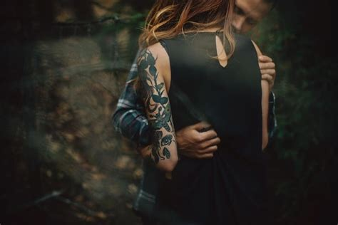 tattoo couple photography best 25 tattooed couples photography ideas on