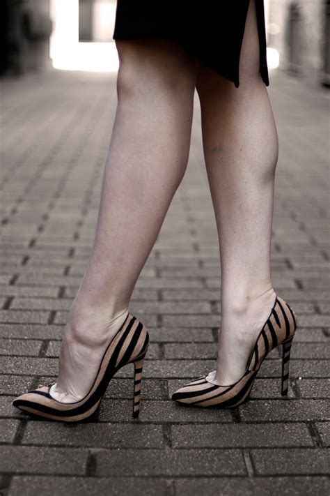 in high heels does the shoe fit my top 6 tips for walking in high heels