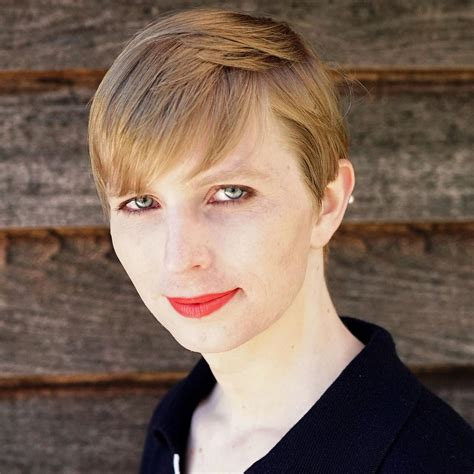chelsea menang chelsea manning bio net worth height facts dead or alive