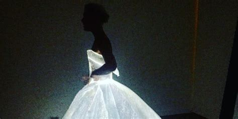 zac posen light up gown met gala 2016 danes channels cinderella in zac