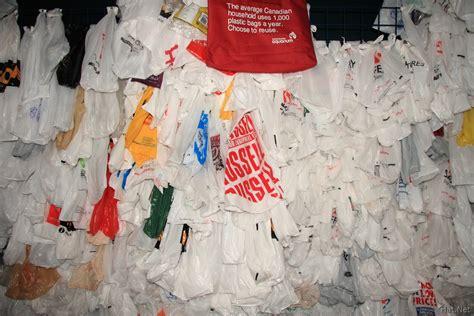 Plastic Bags Pollution Essay by Plastic Bag Pollution Essays Clearlakeroadriderscom